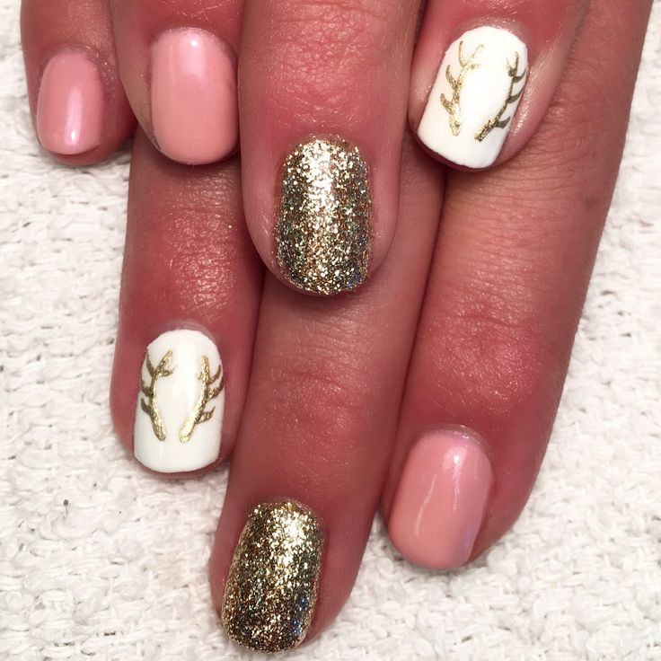 Nail Designs For Hunting Season Huntingseason Naildesigns Womensoutdoornews Huntingnails Outdoorsynails Deer Nails Hunting Nails Winter Nails Acrylic