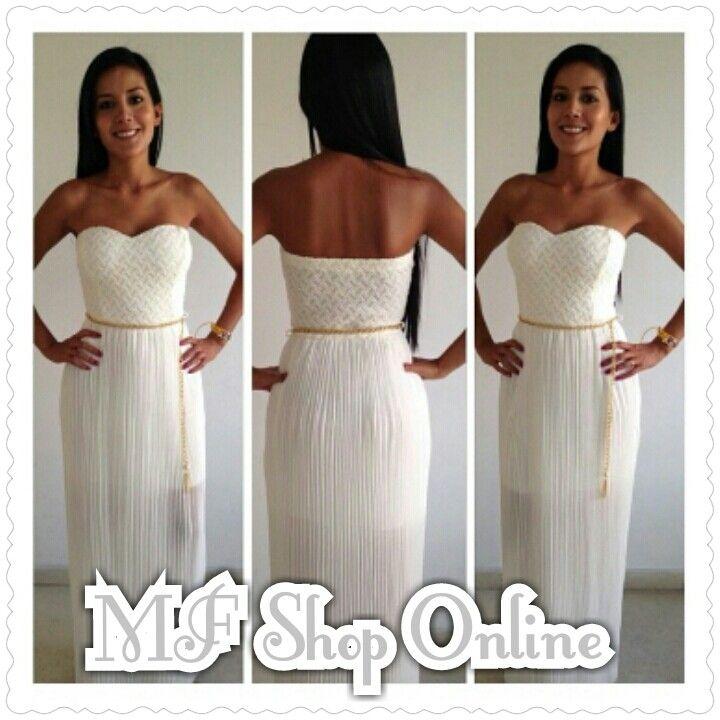 Hermoso vestido con falda plisada
