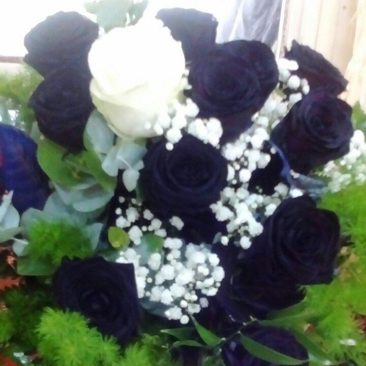 Rose nere ... Il bouquet di KATYA