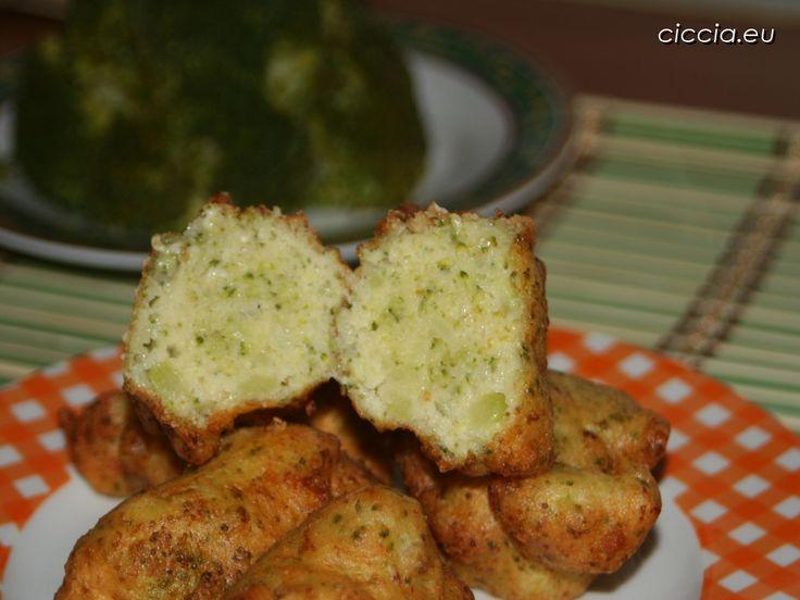 Le frittelle di broccoli calabresi sono un ottimo espediente per far mangiare questo ortaggio ai bambini  ... [CLICCA per leggere tutto]