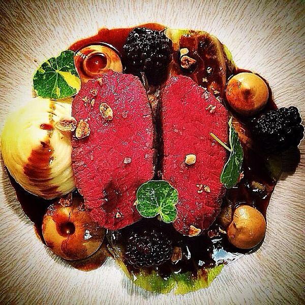 Jack Rawlings @_Jack_Rawlings_  Venison fillet, caramilsed cauliflower purée, confit onion mash, blackberry jus & cobnut JAN/FEB