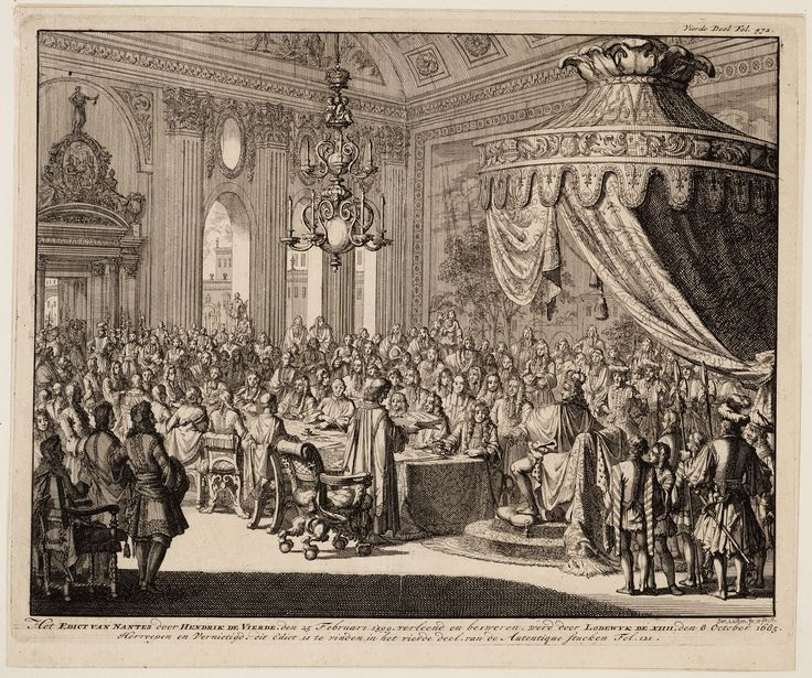 Nantes in Pays de la Loire, 1598. Het Edict van Nantes werd officieel aangekondigd in het Kasteel van de Hertogen in Nantes. Het Edict hield in dat hugenoten gewetensvrijheid kregen en hun eigen godsdienst mochten hebben. Dit betekende echter niet dat de hugenoten populairder werden in Frankrijk. Lodewijk XIV heeft het Edict van Nantes later teruggedraaid in 1685. Dat kon hij gemakkelijk doen, want hij stond helemaal bovenaan de standensamenleving en kon alles doen wat hij wilde. Oftewel…