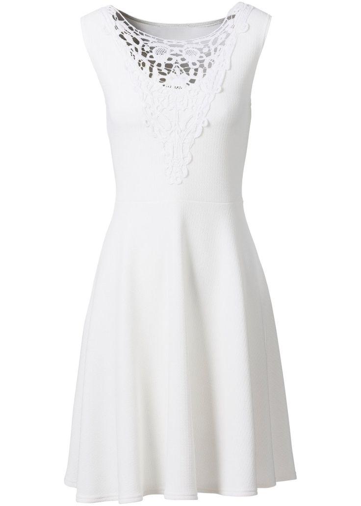 Jetzt anschauen: Schickes Kleid mit Crochet-Spitze am Ausschnitt und leicht ausgestelltem Rockteil. Das etwas dickere Material hat eine besondere Struktur und ist angenehm auf der Haut zu tragen.