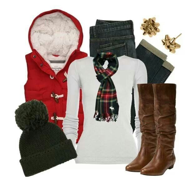 If I went caroling this is what I'd wear. The earrings are adorable!