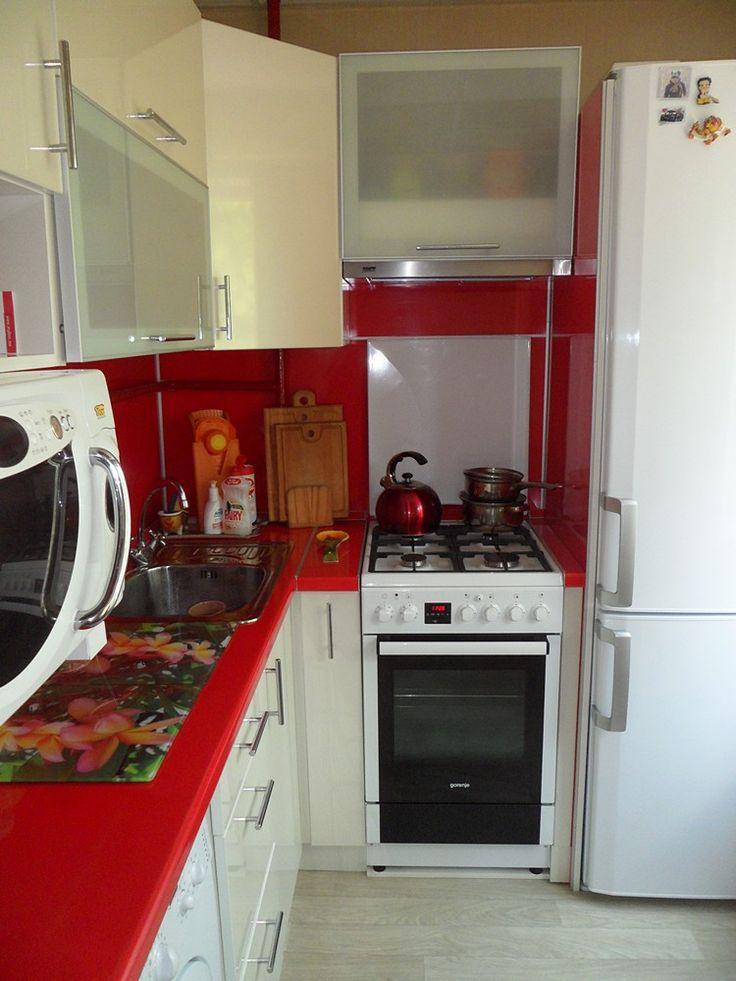 Маленькая кухня красный и белый   Акварель-мебель