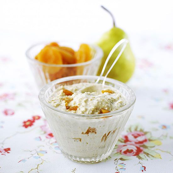 Oats mixed with milk and dried and fresh fruit = an well-balanced snack or breakfast.