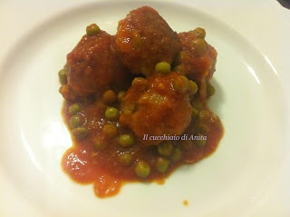 Polpette alla bolognese in umido - Bolognese Meatballs with peas