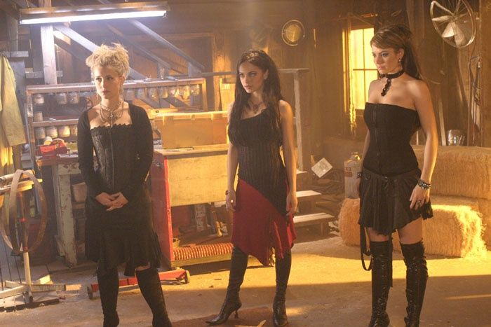 "Chloe, Lana and Lois - Smallville ""Spell"""