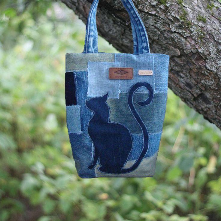 """Tote denim bag """"Lee Cat"""", Recycled denim bag, denim bag, denim bag present, shoulder denim bag, jeans bag, recycle denim bag, upcycled by SSHandbag on Etsy https://www.etsy.com/listing/571108431/tote-denim-bag-lee-cat-recycled-denim"""