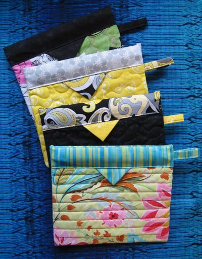 Snap Happy Bags – Heirloom Creations. No pattern – but the tab to aid opening, at the side would be a useful addition if making a large pouch! ,  Sheri Kox