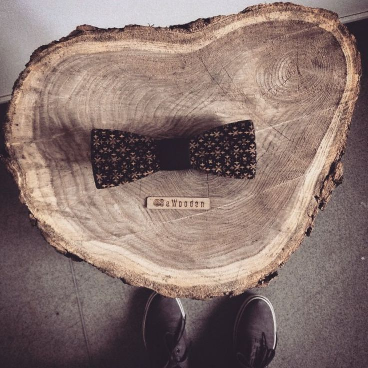 From a tree to wooden bow tie