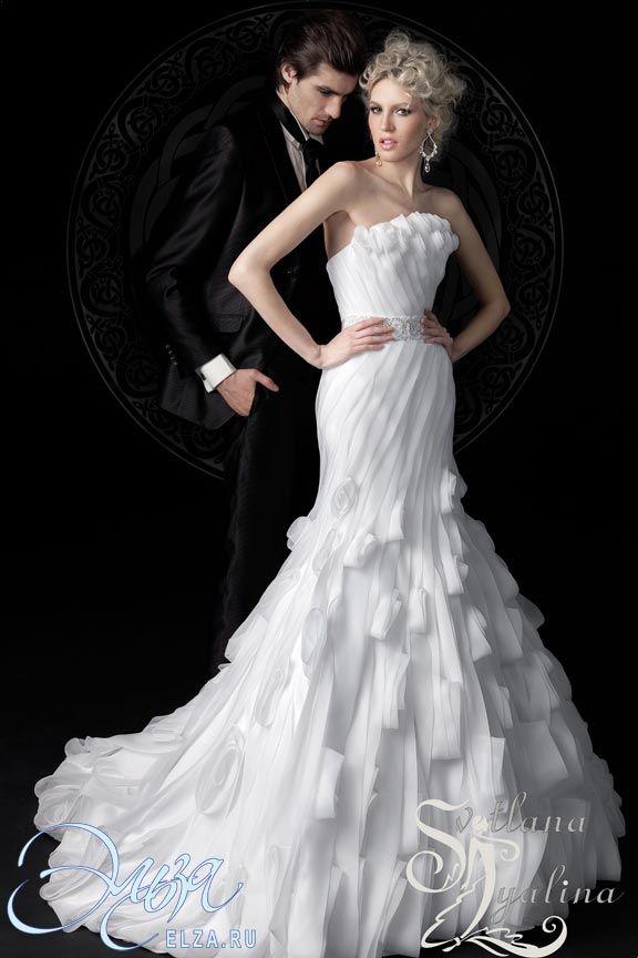 Cвадебное платье Кармен : фасон годе (русалка, рыбка, трампет), стиль звибел, длинное платье, с фигурным вырезом, с пышной юбкой, со шлейфом, модель до 2016 года, платье, в ограниченном количестве, открытое, юбка с воланами, основная ткань: шифон