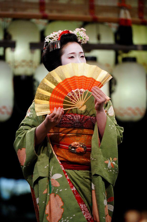 Chizu of Pontocho as maiko by Tamayura on FlickrChizu is now a geiko!