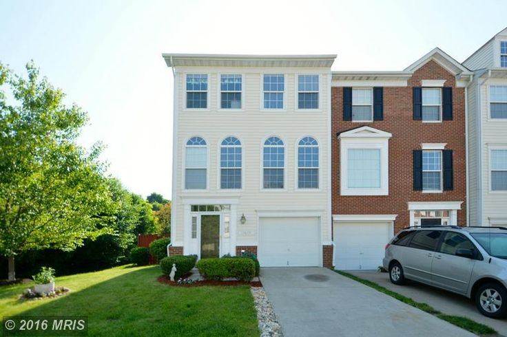 Villa/Townhouse property for sale in Woodbridge,VA (MLS #PW9676141). Learn more from AJ Team Realty   Keller Williams Kingstowne.  expanded master suite, soaking tub & sep shower, large rec room & office area in fin bsmt, office.