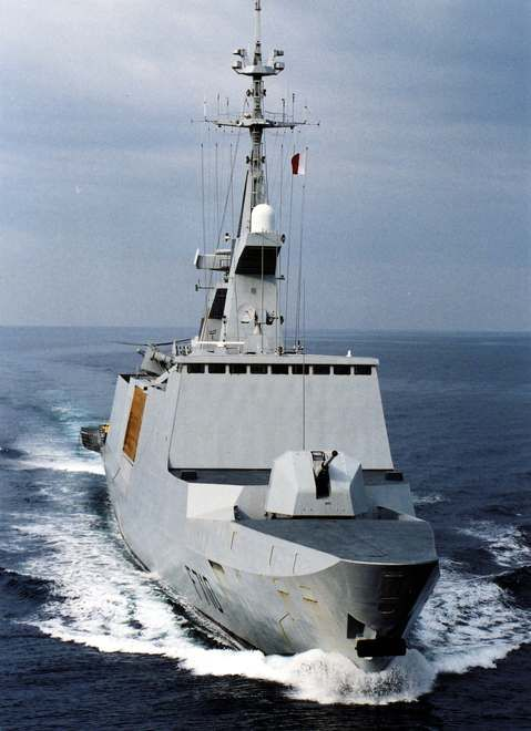 french marine nationale lead ship of its named class of 5 stealth frigates la fayette f 710 military modern navy pinterest marines and ships