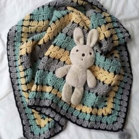 Crochet Buggy Blanket. a gift fit for a Royall Baby - Free Crochet Pattern