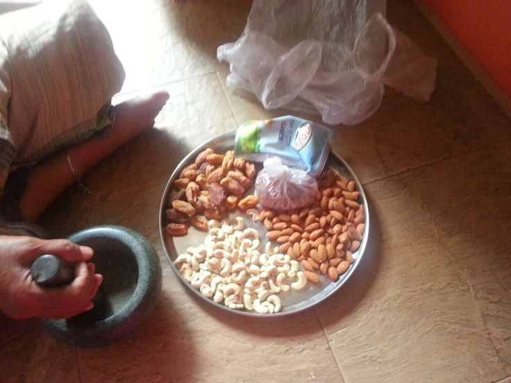 Savispassions: Dry fruit/Nut Burfi with Jaggery