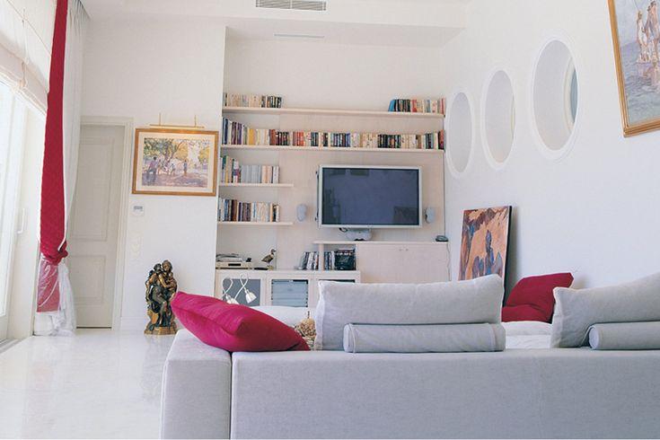 Τριώροφη κατοικία στην Άνω Βούλα | vasdekis