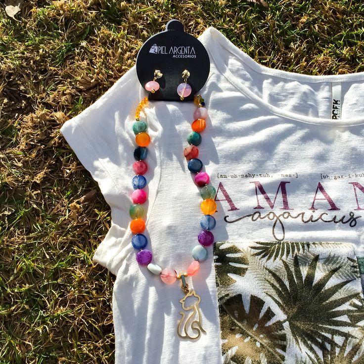 Collar en agatas de colores.   #pielargenta #collar #happy #weekend