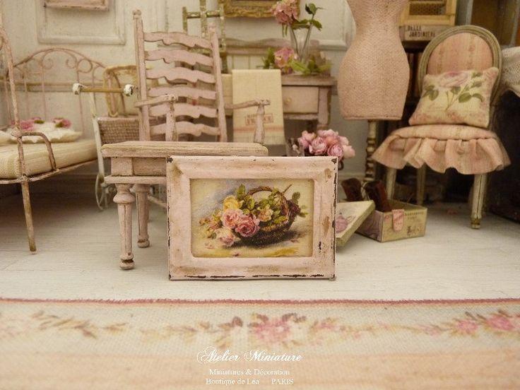 Cadre miniature en bois rose pâle Shabby, Panier de roses, Accessoire pour maison de poupée française, échelle 1/12 by AtelierMiniature on Etsy
