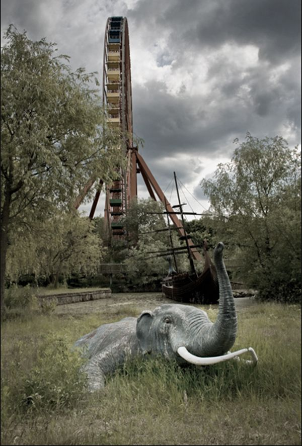 Modern Ruins: The Beauty of Abandoned Amusement Parks.   (the spreepark, former gdr-controlled east berlin - opened 1969, closed 2002) [set of images]