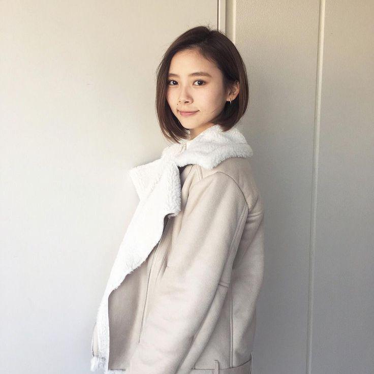 洋服が素敵な朝日奈央さん