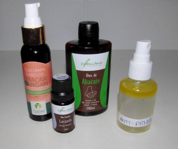 ANTI-FRIZZ  8 partes de água filtrada (ou a proporção que funcionar melhor para o seu tipo de cabelo) - 1 parte de óleo puro (ex.: argan, jojoba, abacate, pracaxi, azeite, linhaça etc) - gotinhas de óleo essencial de lavanda ou perfume para neutralizar o cheiro de óleo. - 1 garrafinha com tampa de spray (se for de cor âmbar, melhor)  Agitar bem sempre antes de usar. Manter fora da luz solar. Dou umas borrifadas no cabelo inteiro (seco ou molhado)