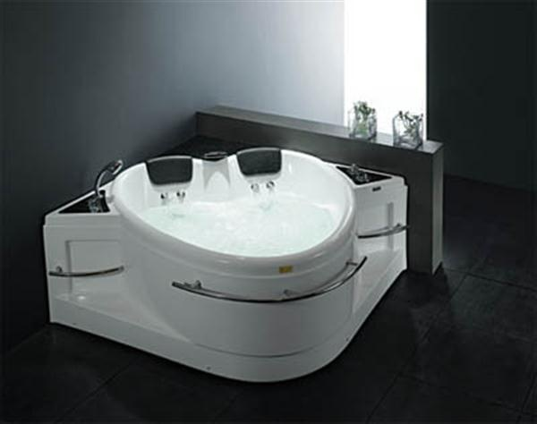 Need A Hot Tub For Check Out These Luxurious Models: Whirlpool Royal  Heart Shaped Tub