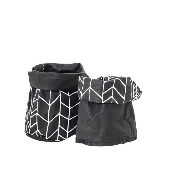 Reversible Black wash bag | These versatile and super gorgeous washable paperbags looks and feels like leather but washes with ease.