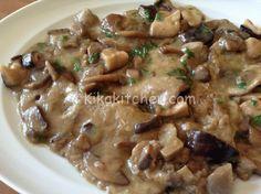 Le scaloppine ai funghi sono un gustoso secondo piatto a base di carne con contorno di funghi champignon, misti o meglio ancora porcini.