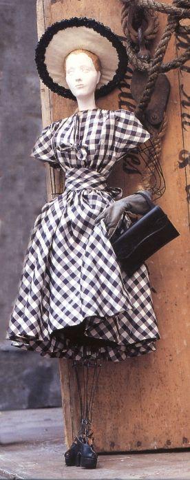 Le théâtre de la Mode. Molyneux. 1946