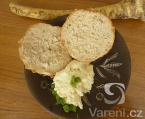Recept na chutnou pomazánku z čerstvého křenu, kterou zjemníme sýrem.