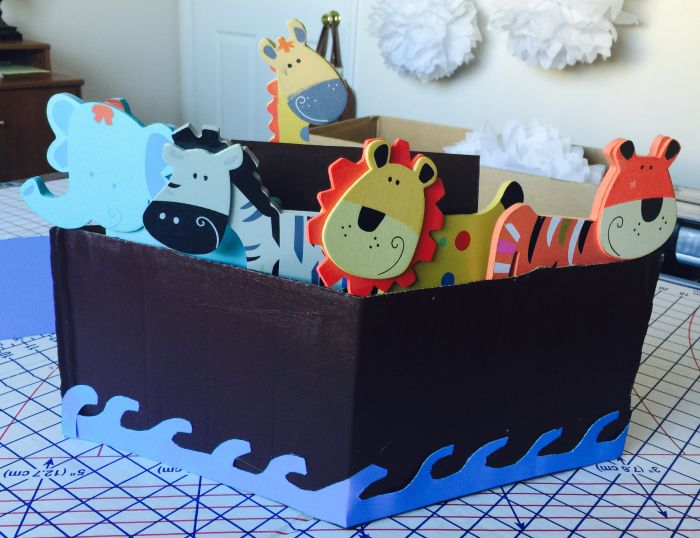 Noah's Ark themed Baby Shower? Make these easy boats for the center pieces! Events Made Easy! http://isntitawonderfullife.com/2016/02/04/noahs-ark-baby-shower/
