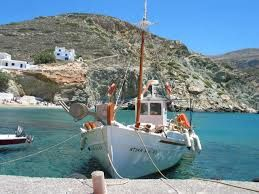 A truly beautiful Kaiki in Folegandros - selected by www.oiamansion.com