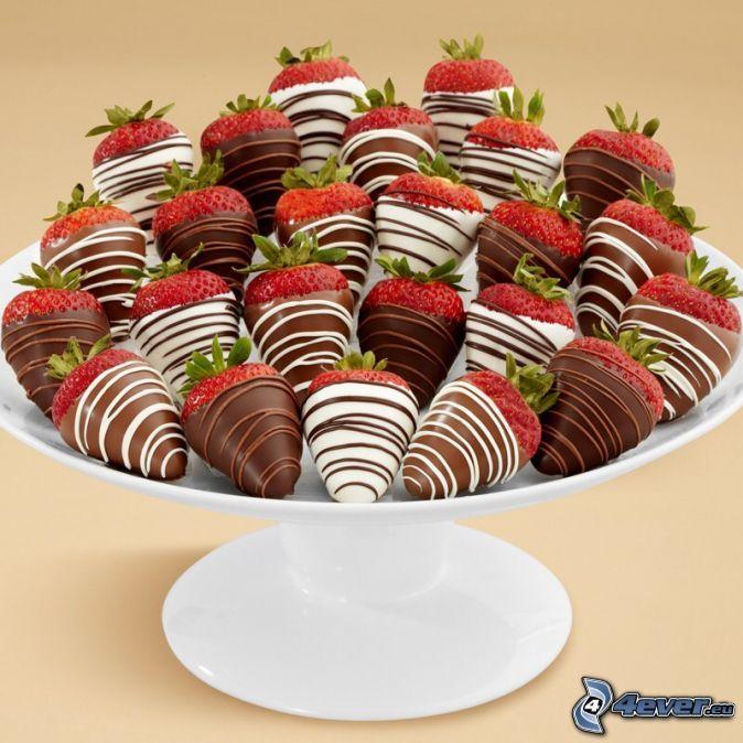 Schokolade überzogene Erdbeeren, Schwarze und weiße Schokolade