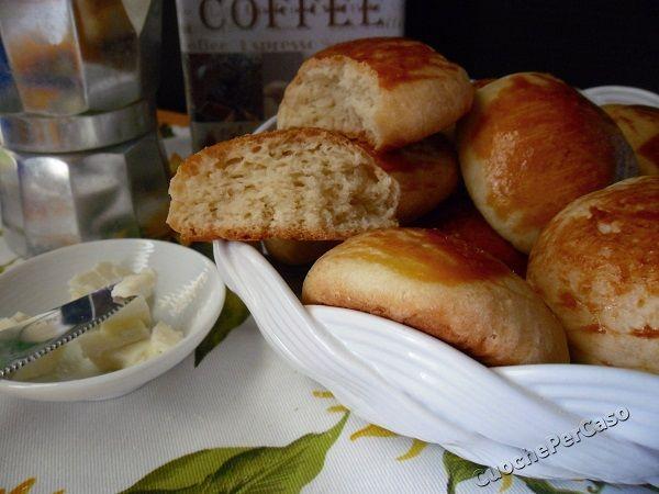 Panini al burro (ideali per la colazione)