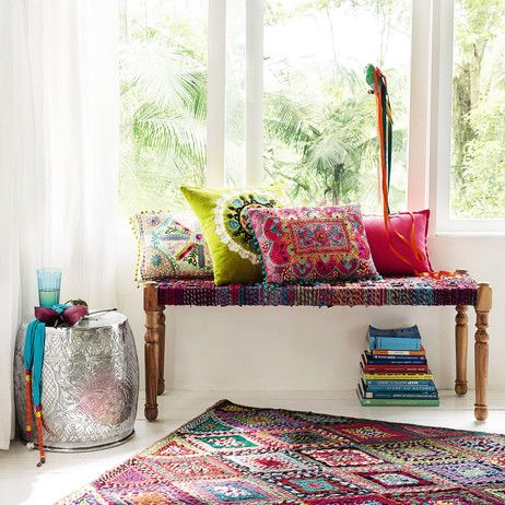 Acacia wood and Indian saris Indian bench, multicoloured W 122cm Katmandou | Maisons du Monde