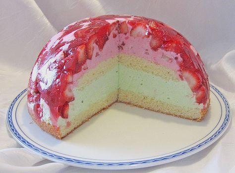 Mai - Torte mit Erdbeeren und Waldmeister 4