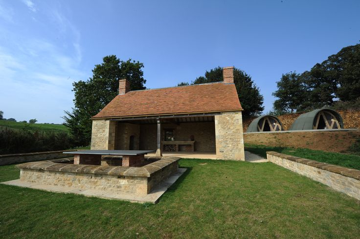 Beautiful peaceful cotswold country estate glamping for Perfect kitchens chipping norton