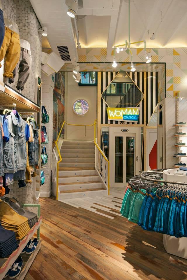 Tienda Pull & Bear en Portal del Ángel, Barcelona. « Diseño de interiores…