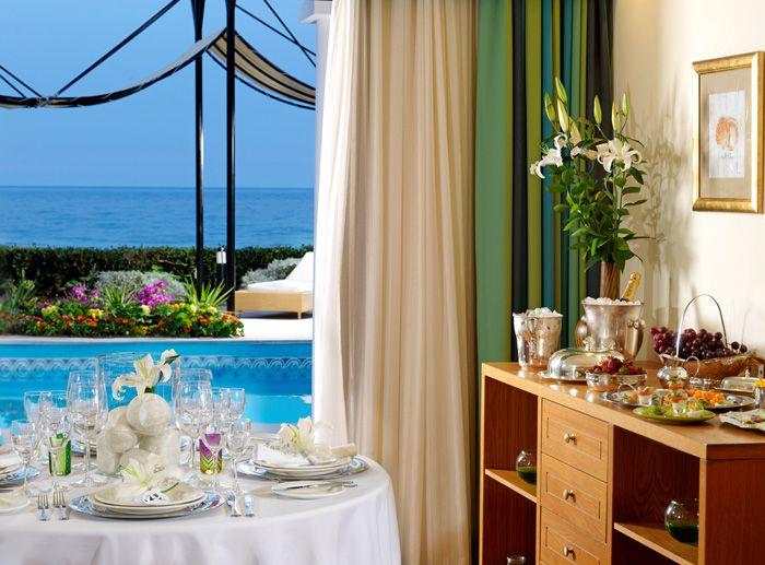 Enjoying your pool front VIP Breakfast / Room service in privacy