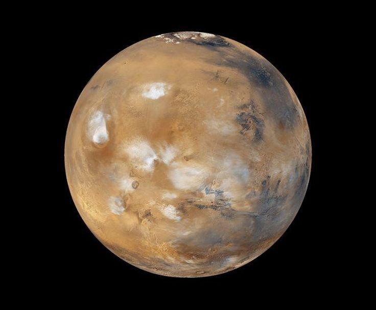 Recentemente, a revista Geophysical Research Letters trouxe em um artigo a descoberta de um lago gigante em Marte. A descoberta, feita por cientistas da Universidade do Texas, nos EUA, foi possível graças aos radares de penetração da sonda Mars Reconnaissance Orbiter, da NASA.
