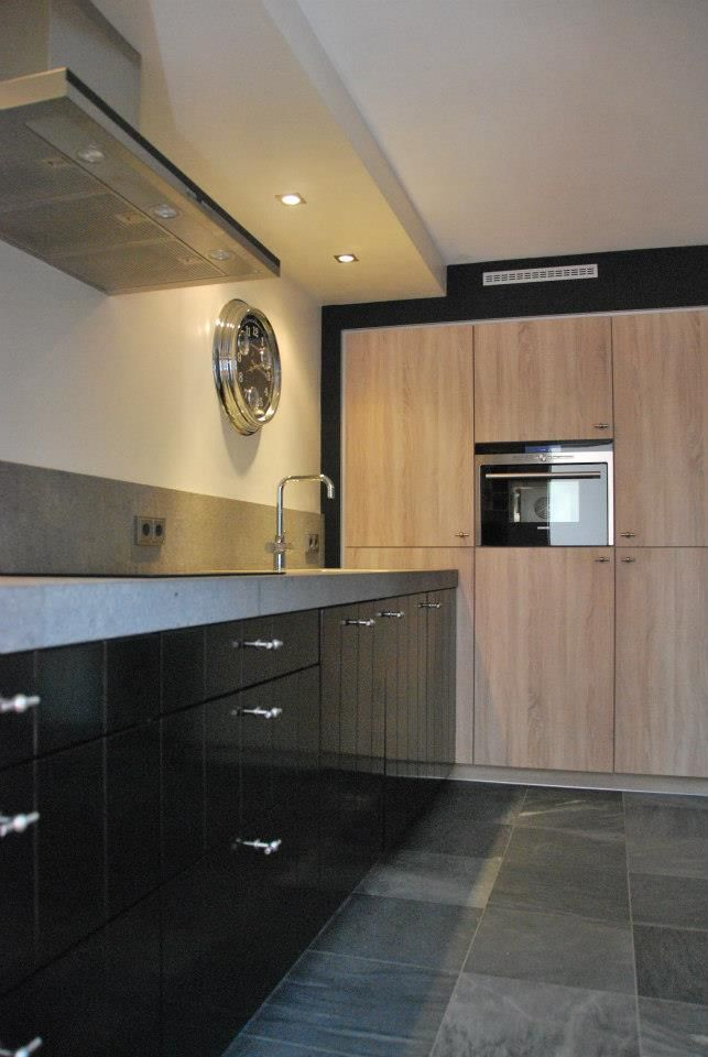 78 best idee n over zwarte keukens op pinterest zwarte keukenkastjes bakstenen keuken en - Keuken originele keuken ...