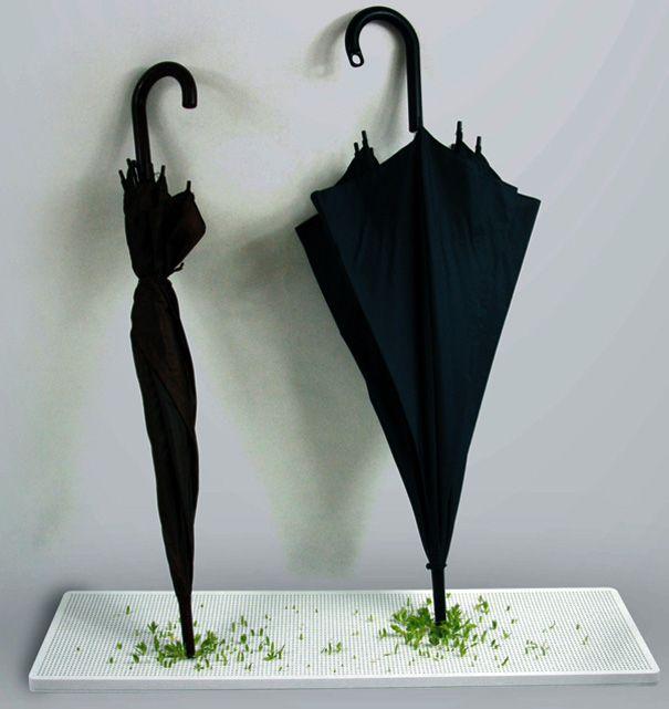 Green umbrellaFlats Umbrellas, Awesome Ideas, Green Tracing, Wet Umbrellas, Products Design, Umbrellas Stands, Junji Zhang, Tracing Projects, Green Umbrellas