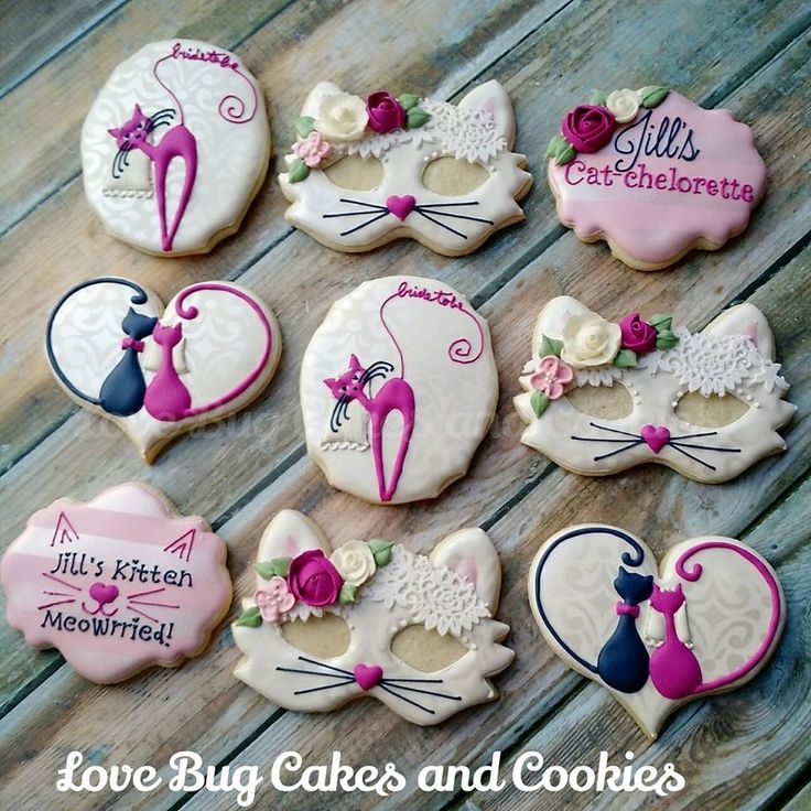 Cat design cookies from Love Bug Cakes and Cookies
