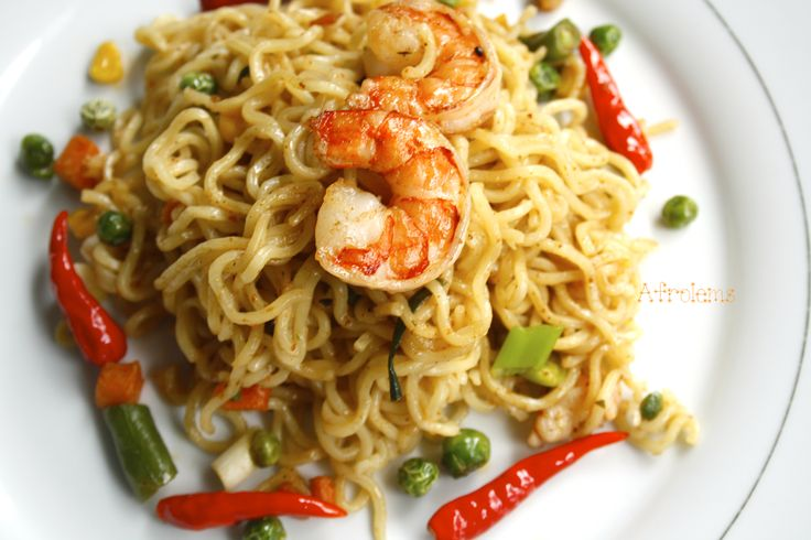 African Food| Nigerian Food| Indonesian Food| Indomie noodles with shrimp and vegetables