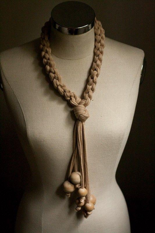 collier tricotin tissu