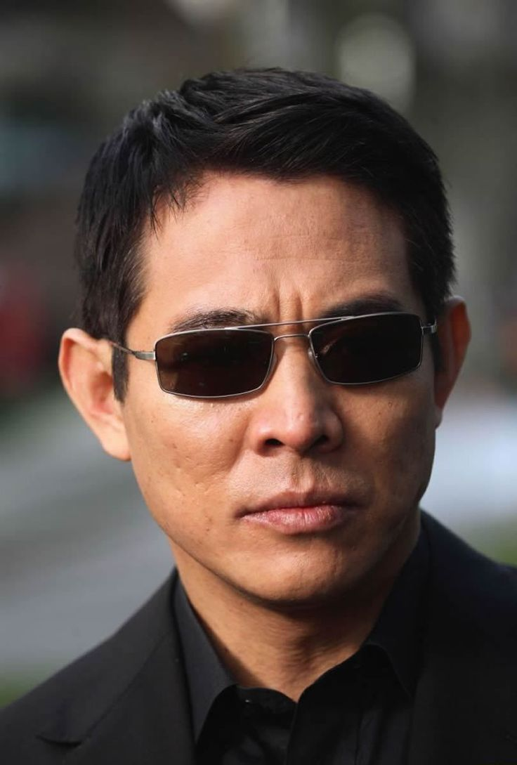 Jet Li  - CAN WE SAY CLASS?! THIS IS HOW ALL MEN SHOULD CARRY THEMSELVES.