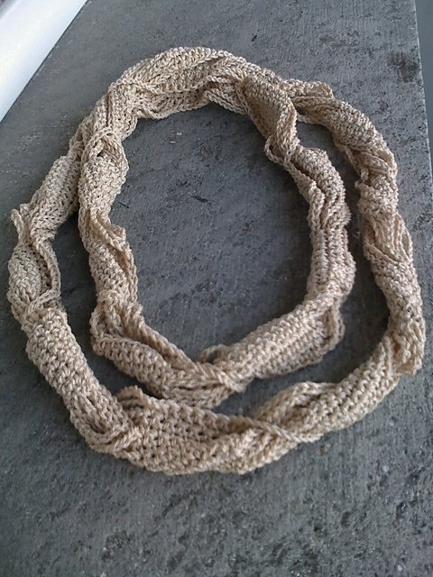 Knitted necklace...free pattern! Crochet & Knitting Pinterest
