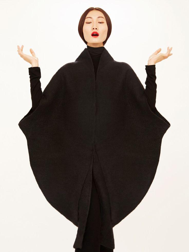 Sculptural Fashion - black cocoon coat with circular silhouette; elegant minimal fashion // Sybilla